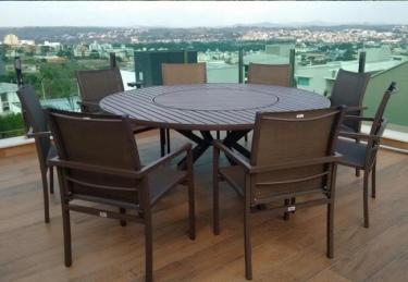 Móveis área externa para piscina e varanda, kit mesa e cadeiras em alumínio e tela sling.