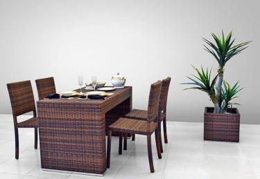 Conjunto Mesa Amaralina e Cadeiras Bali